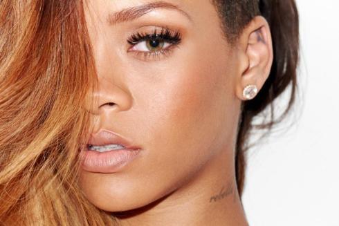 Le parcours capillaire en musique de... Rihanna !